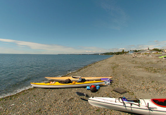 Kayaking Lumni Island